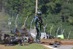 Major crash for #9 Patron Highcroft Racing Acura ARX-02a Acura: Scott Sharp out of the car