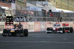 Sebastian Vettel, Red Bull Racing, Jarno Trulli, Toyota F1 Team and Lewis Hamilton, McLaren Mercedes