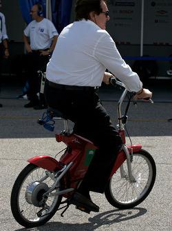 Reinhold Joest on his bike