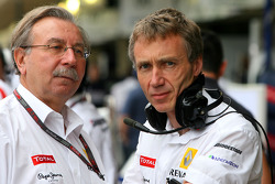 Jean-Francois Caubet, Managing director of Renault F1 and Bob Bell, Renault F1 Team, Team's managing director