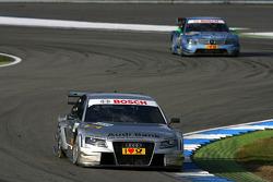 Александр Према, Audi Sport Team Phoenix Audi A4 DTM, едет впереди Джейми Грина, Persson Motorsport, AMG Mercedes C-Klasse
