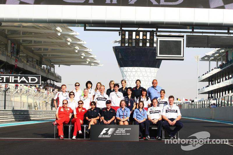 Formula One teams y FIA oficiales de prensa foto de grupo