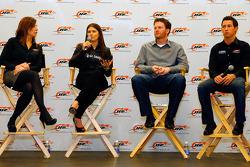 Kelley Earnhardt, Danica Patrick,  Dale Earnhardt Jr. Et Kelly Bire