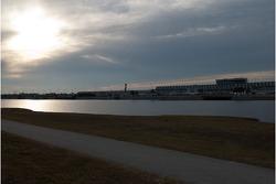 Lever de soleil au dessus du Daytona International Speedway