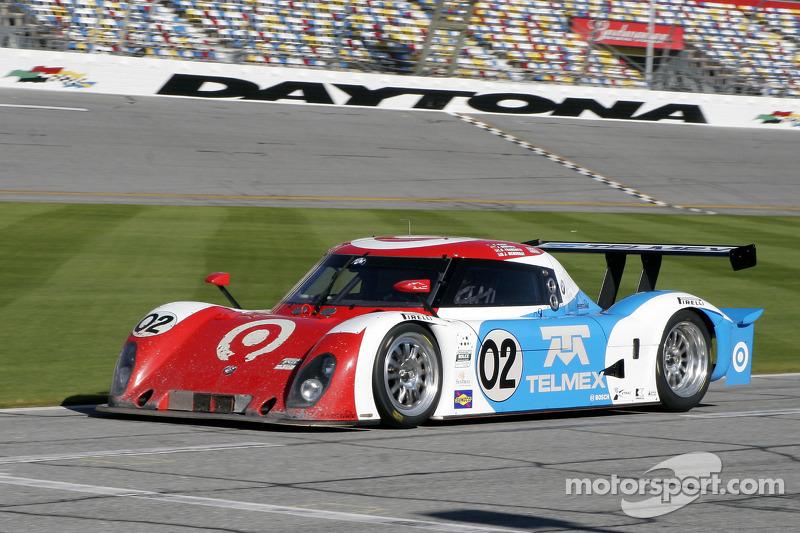 #02 Chip Ganassi Racing avec Felix Sabates BMW Riley: Scott Dixon, Dario Franchitti, Jamie McMurray,
