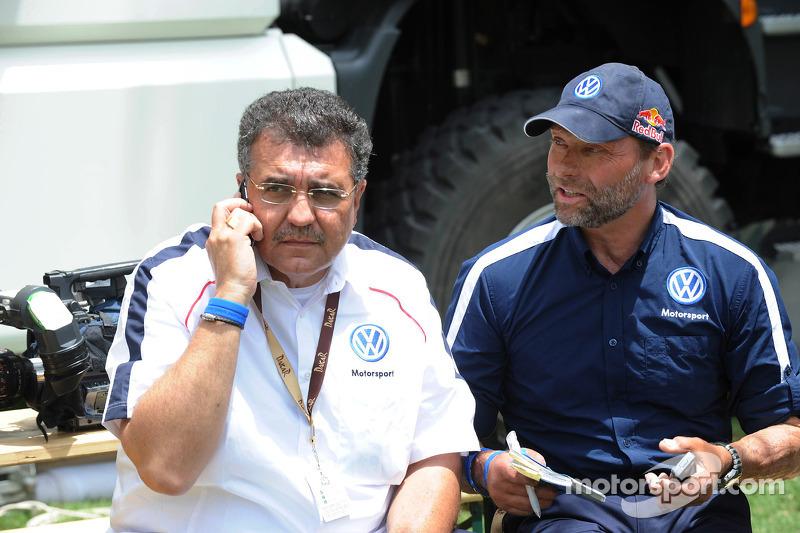 Francisco Javier Garcia Sainz, membre du conseil d'administration de Volkswagen AG et Kris Nissen, directeur du Sport Automobile de Volkswagen