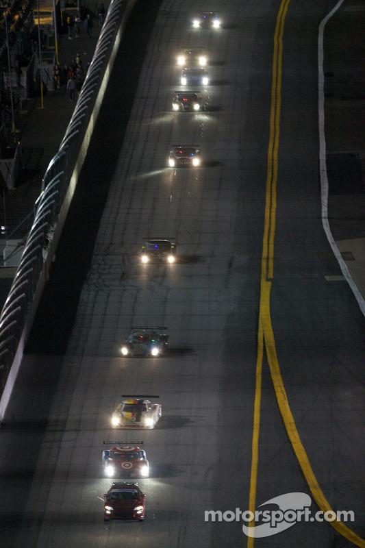Pace car voor de #02 Chip Ganassi Racing with Felix Sabates BMW Riley: Scott Dixon, Dario Franchitti, Jamie McMurray, Juan Pablo Montoya