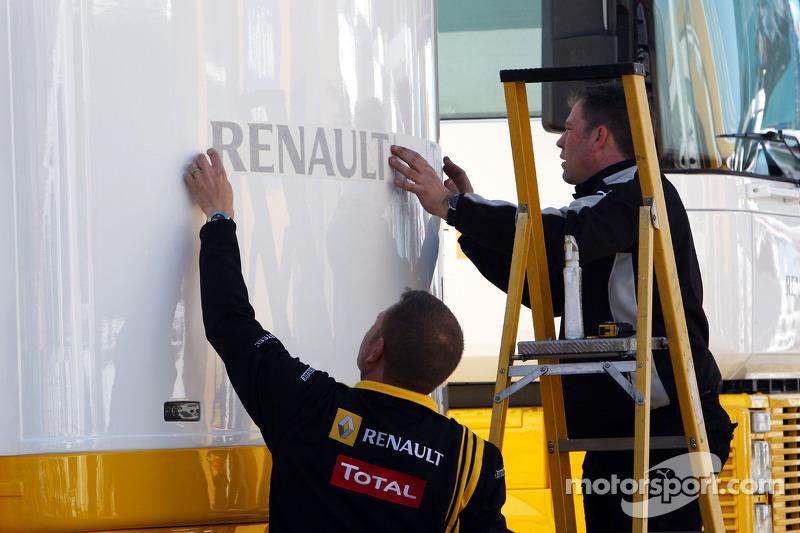 Renault place ses autocollants sur son motorhome