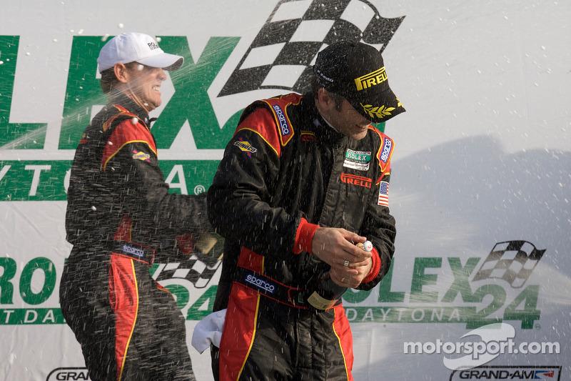 DP podium: champagnedouche voor Joao Barbosa en Terry Borcheller