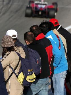 Fans watch Felipe Massa, Scuderia Ferrari