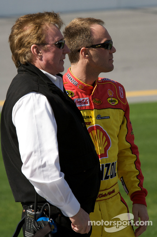Kevin Harvick, Richard Childress Racing Chevrolet, met Richard Childress