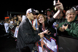 Jeff Gordon, Hendrick Motorsports Chevrolet signs autographs