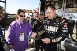 Ryan Newman, Stewart-Haas Racing Chevrolet signs autographs