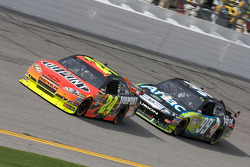 Jeff Gordon, Hendrick Motorsports Chevrolet en Carl Edwards, Roush Fenway Racing Ford
