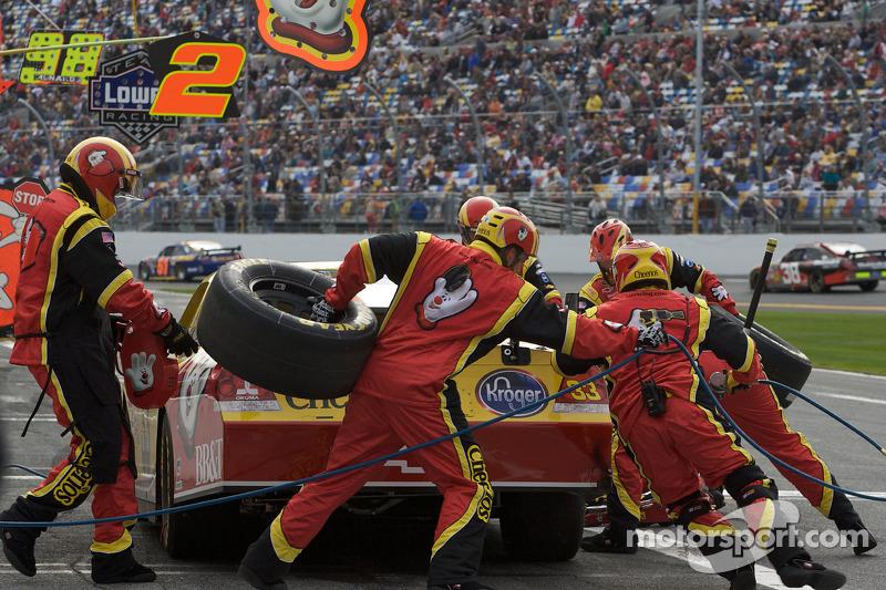 Arrêt aux stands pour Clint Bowyer, Richard Childress Racing Chevrolet