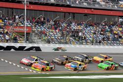 Jeff Gordon, Hendrick Motorsports Chevrolet en Greg Biffle, Roush Fenway Racing Ford, strijden om de leiding