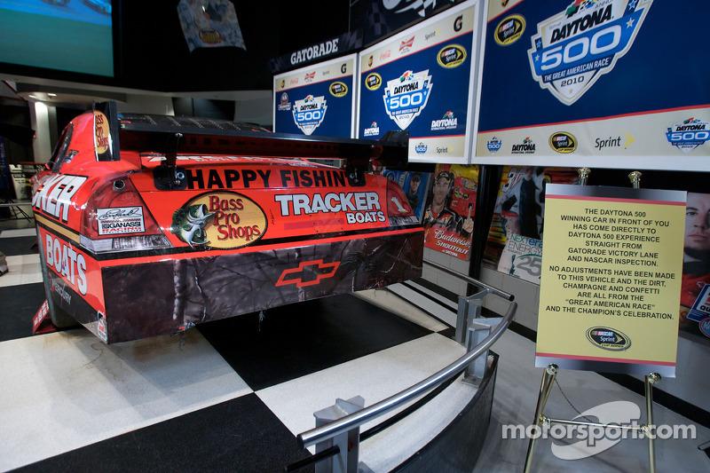 Ontbijten met de kampioen: de 2010 Daytona 500 winnende Earnhardt Ganassi Racing Chevrolet van Jamie