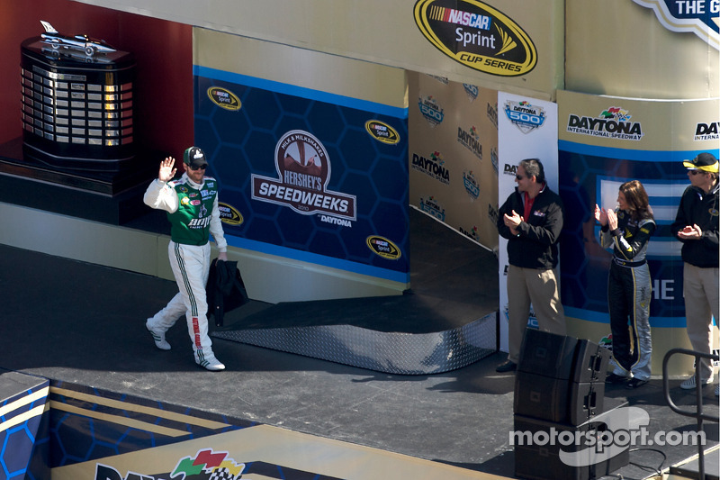 Introduction des pilotes: Dale Earnhardt Jr., Hendrick Motorsports Chevrolet
