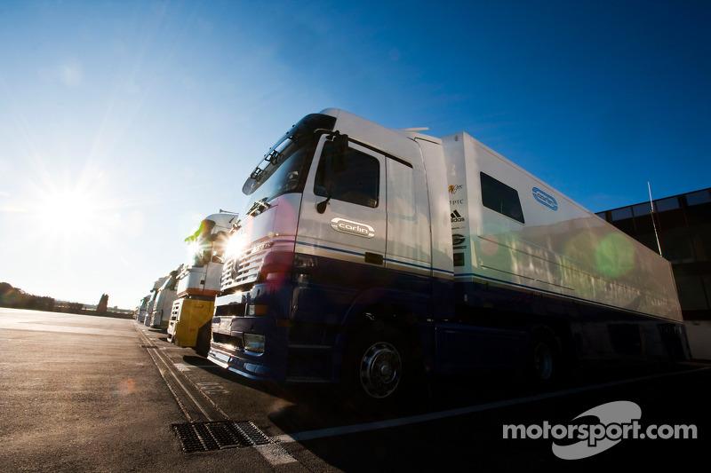 Carlin team truck