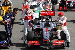 Mark Webber, Red Bull Racing, Jenson Button, McLaren Mercedes, Lewis Hamilton, McLaren Mercedes