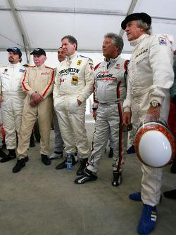 John Surtees, campeón mundial de F1 1964, Jody Scheckter, campeón mundial de F1 1979, Mario Andretti