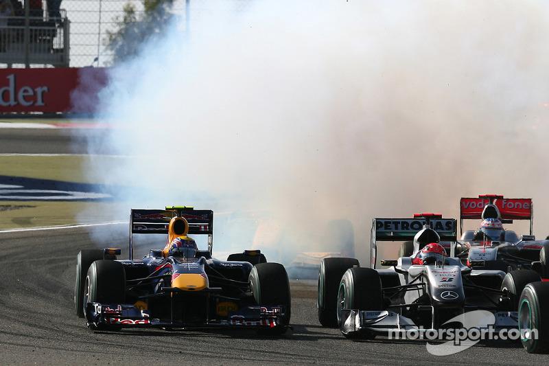 Марк Веббер, Red Bull Renault, і Міхаель Шумахер, Mercedes