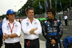 Gil de Ferran and Raphael Matos, de Ferran Luczo Dragon Racing during National Anthems