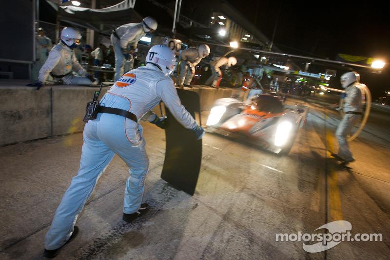 Pitstop #007 Aston Martin Racing Lola B09 60 Aston Martin: Stefan Mücke, Harold Primat, Adrian Ferna