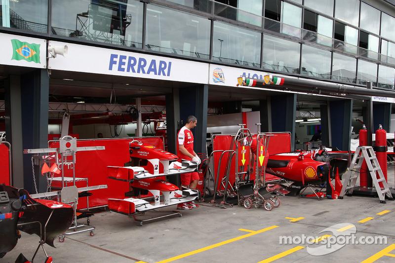 Voorbereiding, garage Ferrari