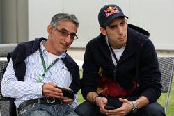 Toni Buemi, le père de Sebastien Buemi, Scuderia Toro Rosso, et Sebastien Buemi, Scuderia Toro Rosso