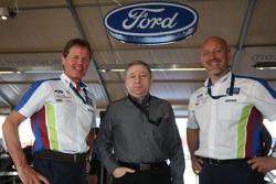 Jean Todt visite Malcolm Wilson et Gerard Quinn du BP Ford Abu Dhabi World Rally Team