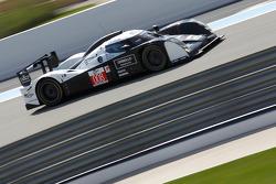 #008 Signature Plus Lola Aston Martin: Pierre Ragues, Franck Mailleux, Vanina Ickx