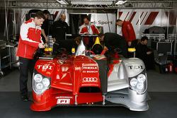 #7 Audi Sport Team Joest Audi R15 TDI