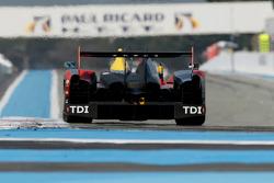 #7 Audi Sport Team Joest Audi R15 TDI: Rinaldo Capello, Allan McNish