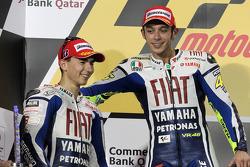 Podium: vainqueur Valentino Rossi, Fiat Yamaha Team avec 2e  Jorge Lorenzo, Fiat Yamaha Team