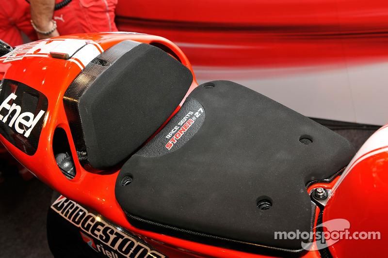Casey Stoner, Ducati Marlboro Team bike detail