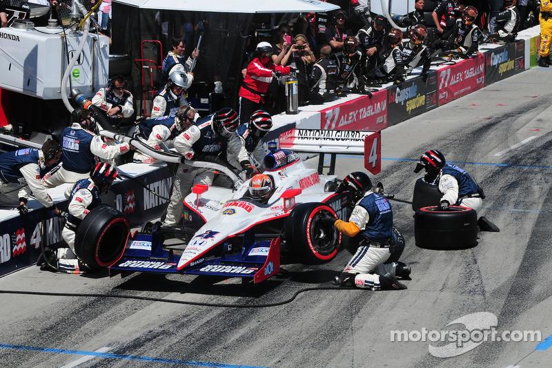 Dan Wheldon, Panther Racing maakt een pitstop