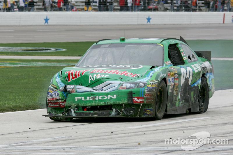 Carl Edwards, Roush Fenway Racing Ford na de crash
