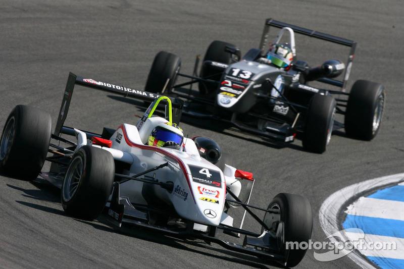 Carlos Munoz, Mücke Motorsport, Dallara F308 Mercedes, rijdt voor Antonio Felix da Costa, Motopark