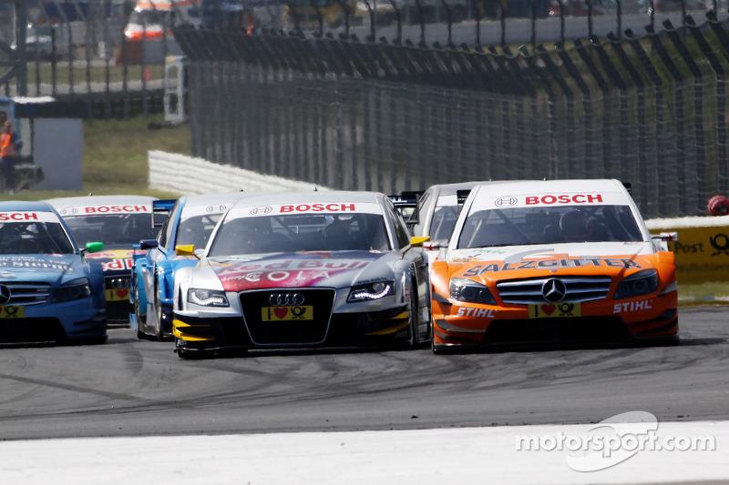 Start: Gary Paffett, Team HWA AMG Mercedes C-Klasse en Martin Tomczyk, Audi Sport Team Abt Audi A4 DTM