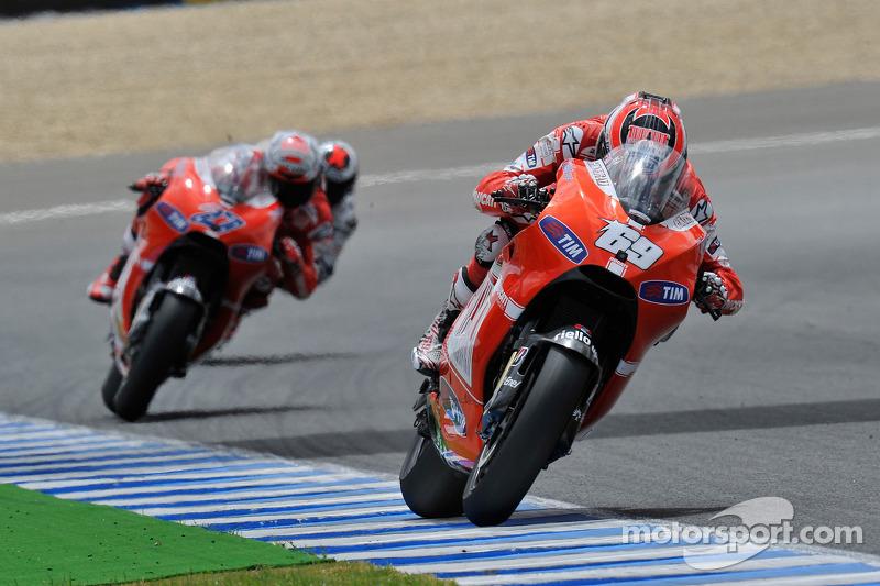 2010: Ducati, 7º no campeonato (163 pts), 1 pódio, 18 corridas