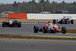Daisuke Nakajima leads Felipe Nasr