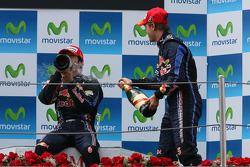Podium: race winnaar Mark Webber, Red Bull Racing, 3de Sebastian Vettel, Red Bull Racing