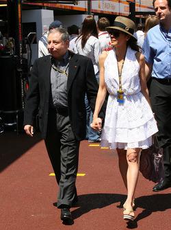 Jean Todt, FIA-president en Michelle Yeoh, ex. James Bond-meisje, actrice, vriendin van Jean Todt