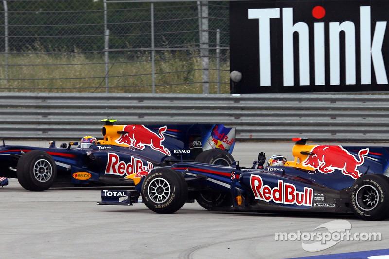 Istanbul 2010: Teaminterne Kollision mit Sebastian Vettel
