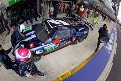 Passage aux stands pour #61 Matech Competition Ford GT: Natacha Gachnang, Rahel Frey, Cyndie Allemann