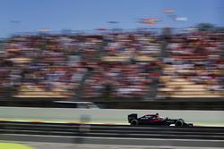 Fernando Alonso, McLaren MP4-31 en la pista