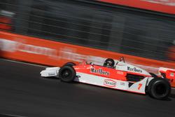 Frank Lyons, McLaren M26
