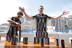 Sergio Pérez, Sahara Force India F1 y Nico Hulkenberg, Sahara Force India F1 een el yate de Hype Energy Drink Mónaco