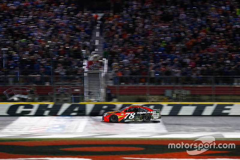 Charlotte: Martin Truex Jr. (Furniture-Row-Toyota)
